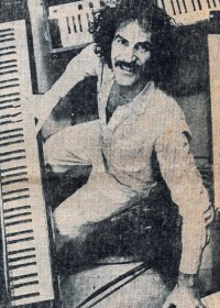 Pianist drops in for a few tracks  - 1980 Newspaper article - click to see an enlarged version of this image